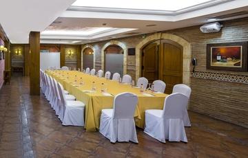Salón Bodega Reunión Nuevo Torreluz Hotel