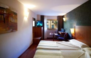 Double superior room Nuevo Torreluz Hotel