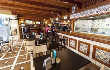 La Taberna Nuevo Torreluz Hotel