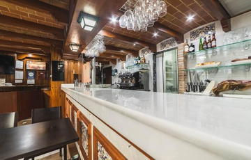 Taberna Nuevo Torreluz Hotel