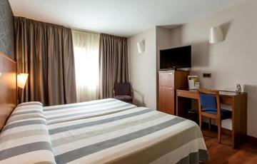 Room Nuevo Torreluz Hotel